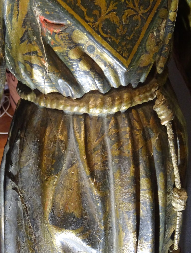 17th Century Andalusian Carved Gilded Polychromed Wood San Francisco Sculpture For Sale 12
