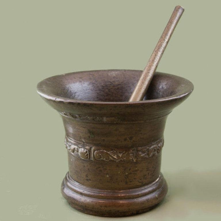 Bronze mortar and pestle from the Whitechapel Foundry, London circa 1670.
