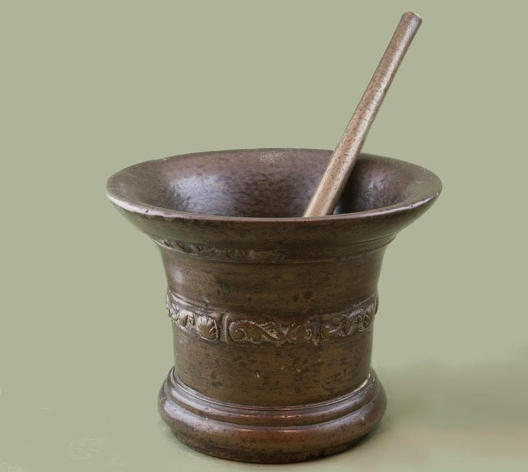17th Century Bronze Mortar and Pestle In Good Condition For Sale In , STOURBRIDGE