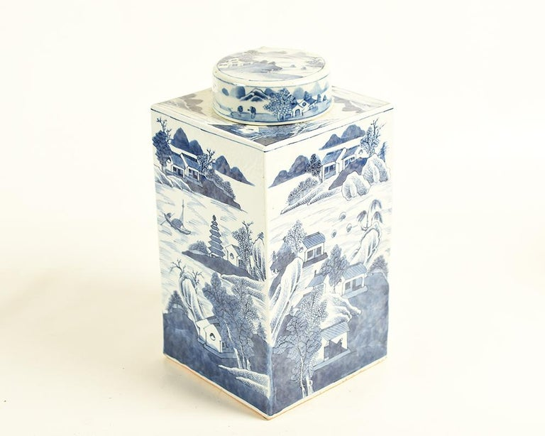 A Kangxi porcelain tea jar from the 17th century Qing dynasty is might be something to add to your collection of blue and white pieces, or a most splendid starting point on which to build. This Chinese underglaze blue and white tea jar is adorned