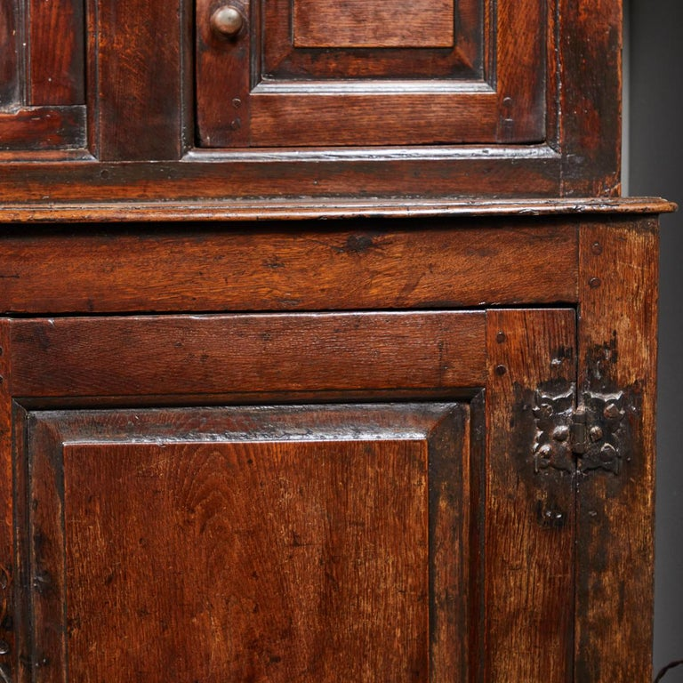17th Century English Court Cupboard in Oak For Sale 4