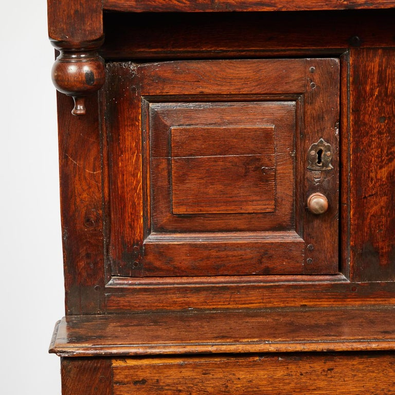 17th Century English Court Cupboard in Oak For Sale 5