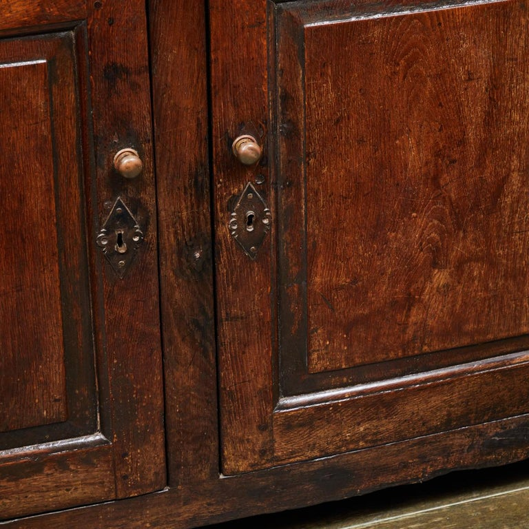17th Century English Court Cupboard in Oak For Sale 7
