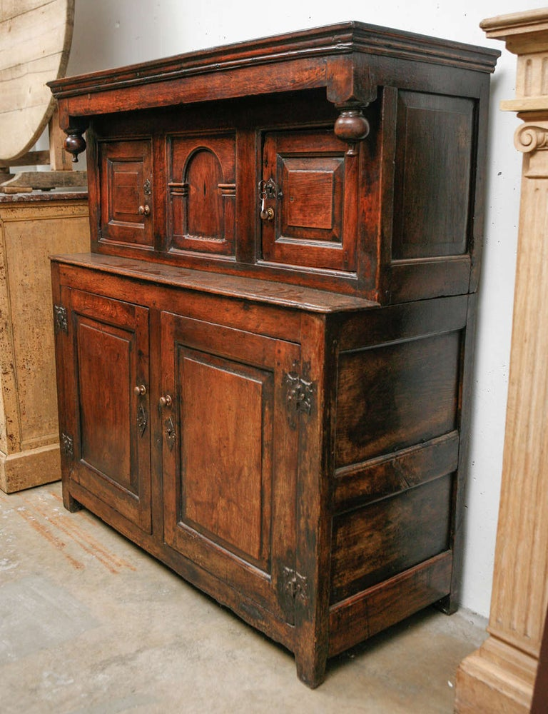 17th Century English Court Cupboard in Oak For Sale 8