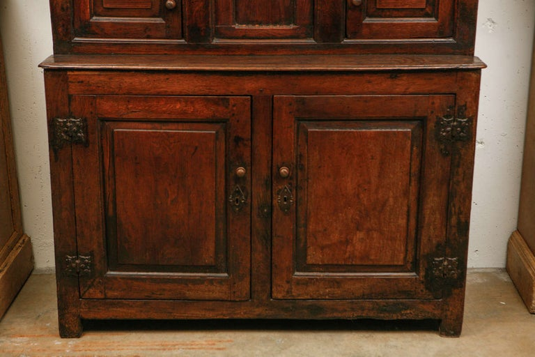 Charles II 17th Century English Court Cupboard in Oak For Sale