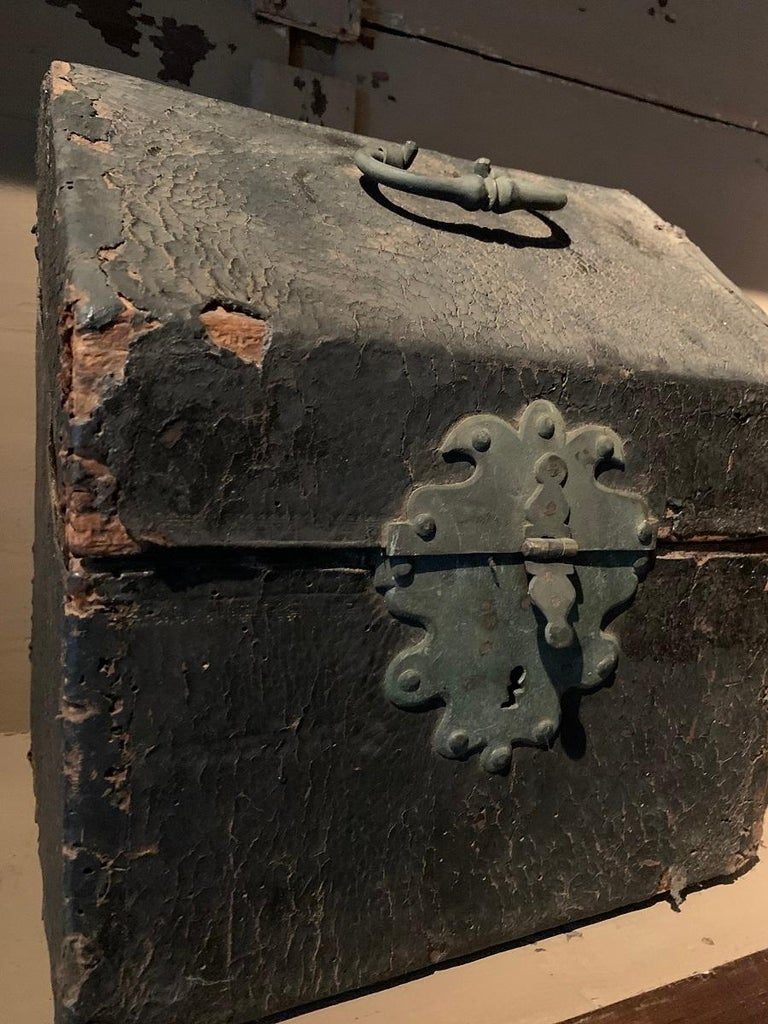French 17th Century Cutlery Box For Sale