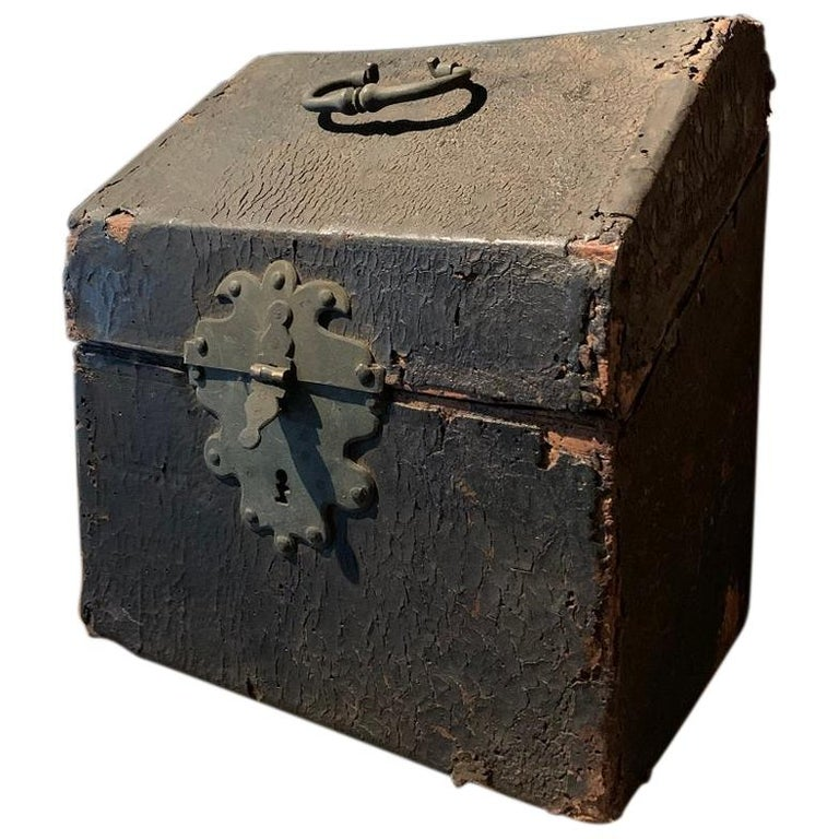 17th Century Cutlery Box For Sale