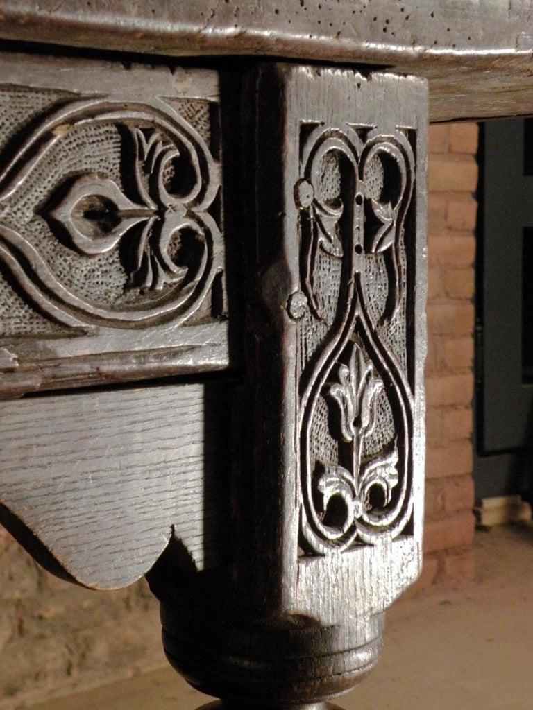17th Century English Oak & Elm Jacobean/Charles II Long Six-Leg Refectory Table For Sale 4