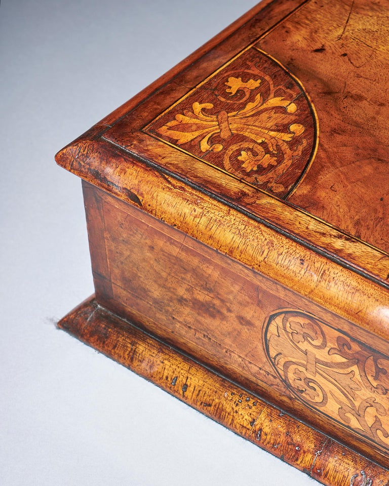 Baroque 17th Century Figured Walnut and Seaweed Marquetry Lace Box For Sale