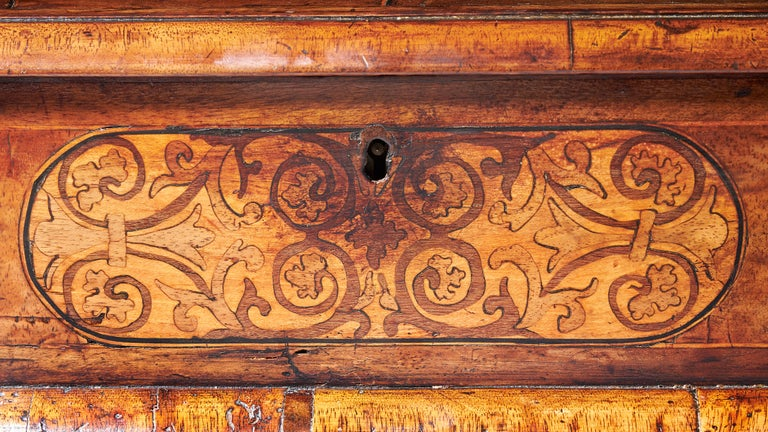 English 17th Century Figured Walnut and Seaweed Marquetry Lace Box For Sale
