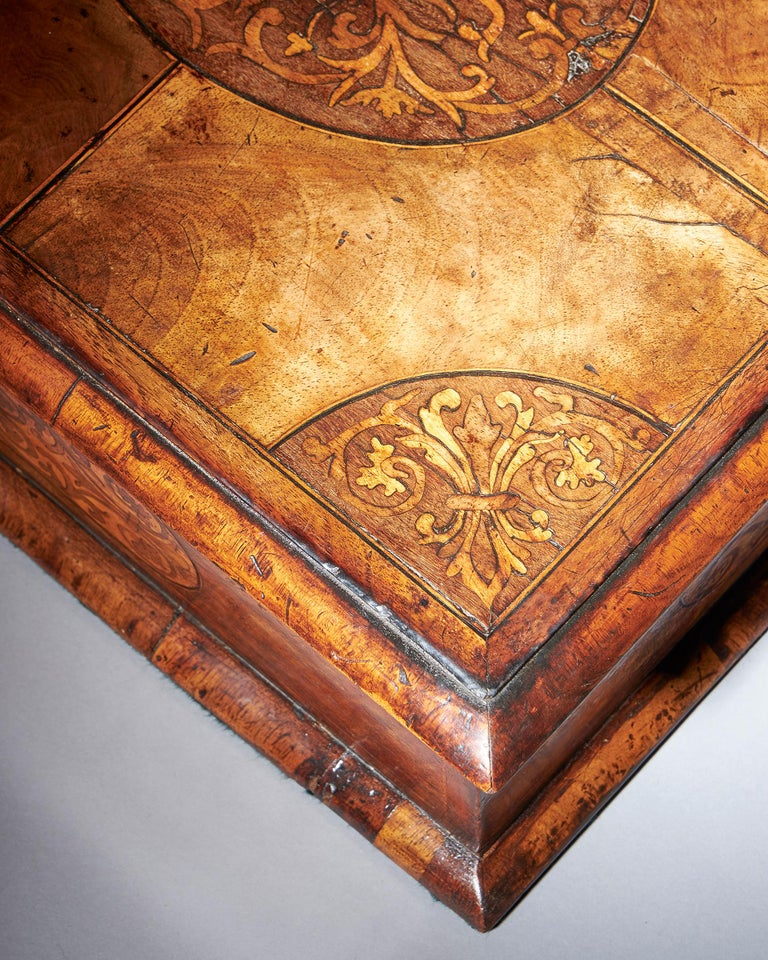 17th Century Figured Walnut and Seaweed Marquetry Lace Box For Sale 1
