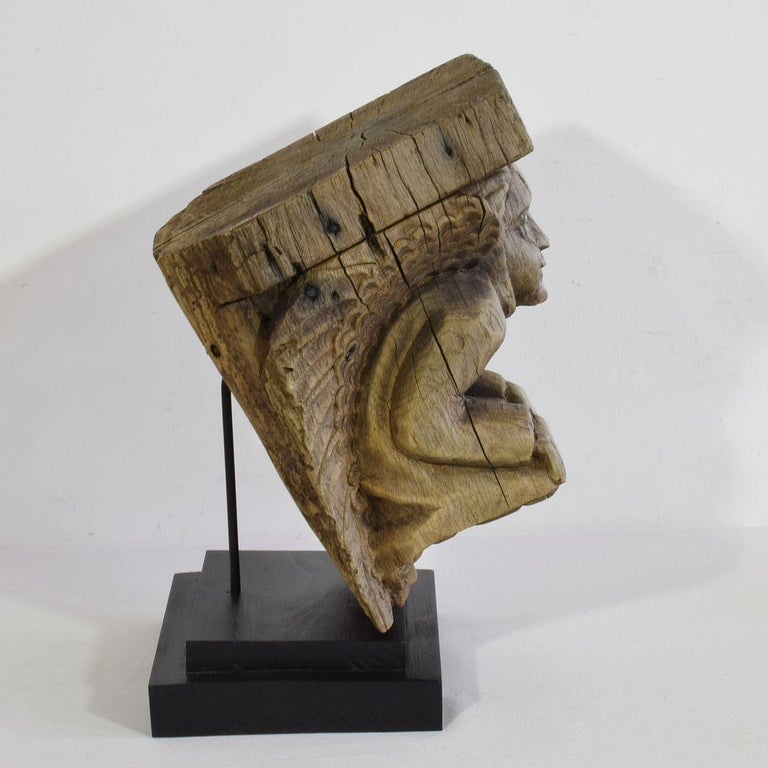 17th Century French Architectural Ornament or Fragment with Angel In Good Condition For Sale In Amsterdam, NL