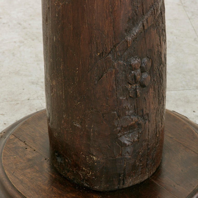 17th Century French Hand-Carved Walnut Pillar Column Pedestal with Gilt Capital For Sale 4
