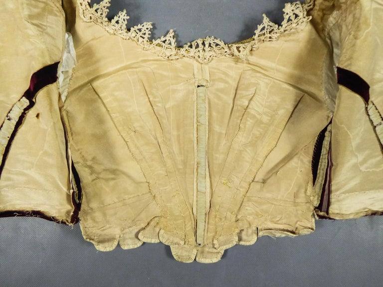 17th Century Golden Embroidered Baroque European Bodice Modified 19th Century In Good Condition For Sale In Toulon, FR