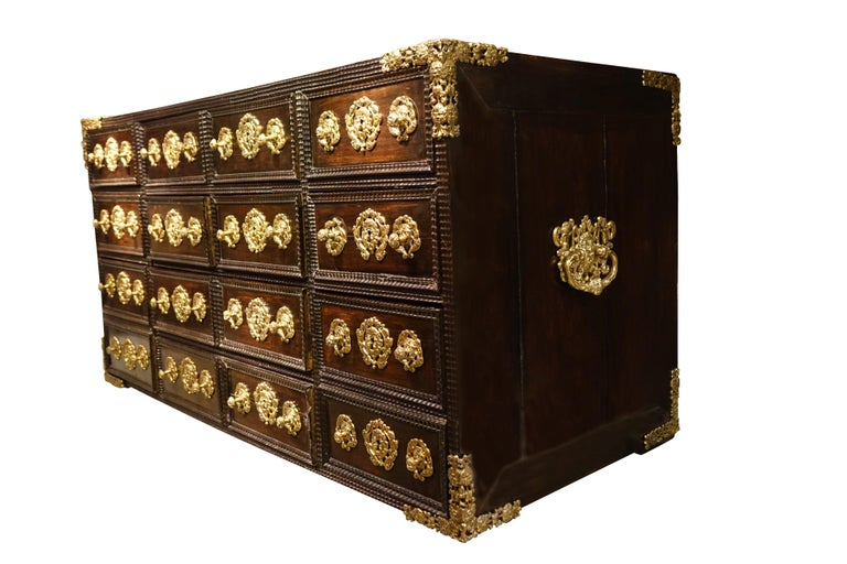 17th Century Indo-Portuguese Cabinet In Good Condition For Sale In Paris, FR