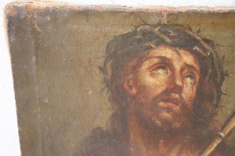 Beautiful oil painting on canvas 17th century not signed. Excellent pictorial quality. This painting represents Jesus with the crown of thorns after the scourging. The original 17th century nails still present on the sides. The wooden frame has