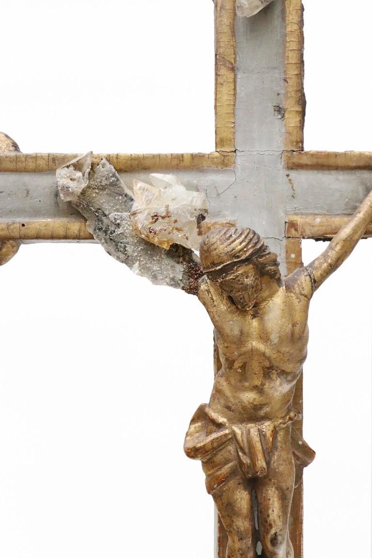 Rococo 17th Century Italian Crucifix Decorated with Calcite Crystals in Matrix For Sale