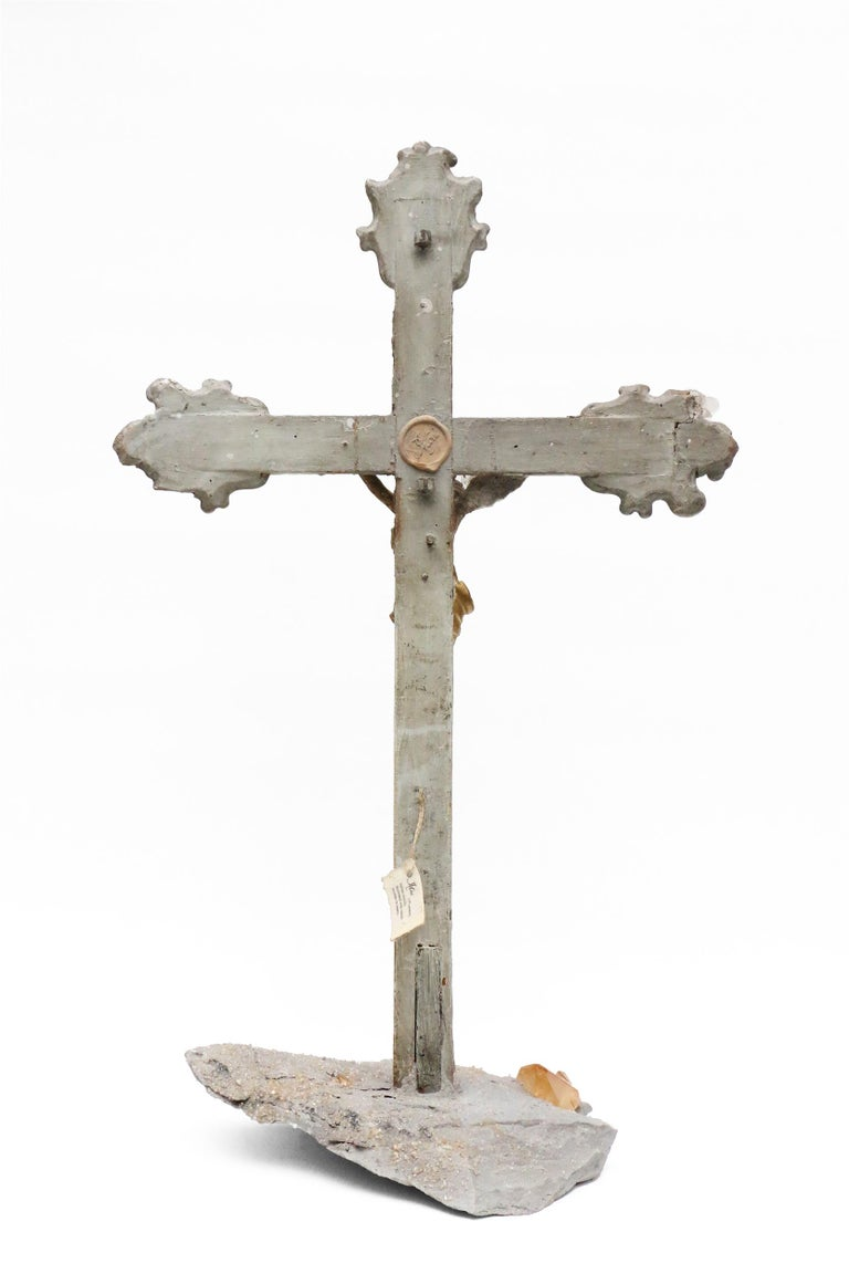 17th Century Italian Crucifix Decorated with Calcite Crystals in Matrix In Distressed Condition For Sale In Dublin, Dalkey