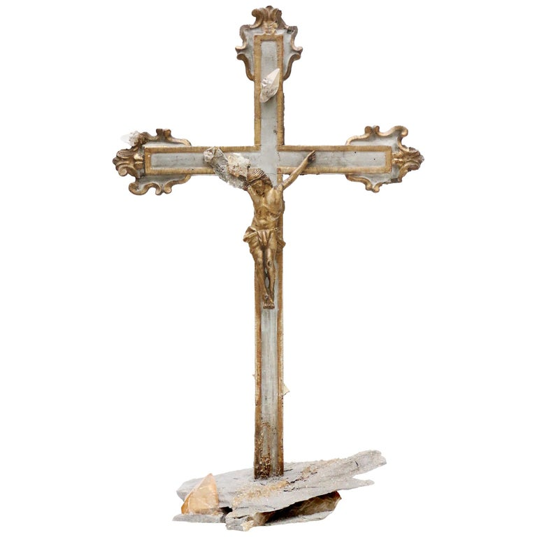 17th Century Italian Crucifix Decorated with Calcite Crystals in Matrix For Sale