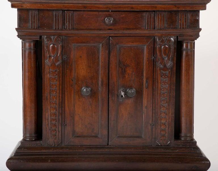 17th Century Italian Walnut Credenza In Good Condition For Sale In Stamford, CT