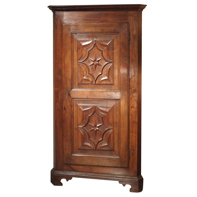 17th Century Italian Walnut Wood Corner Cabinet For Sale