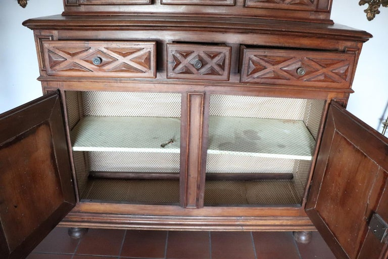 17th Century Italian Walnut Wood Large Rustic Sideboard, Buffet or Credenza For Sale 5