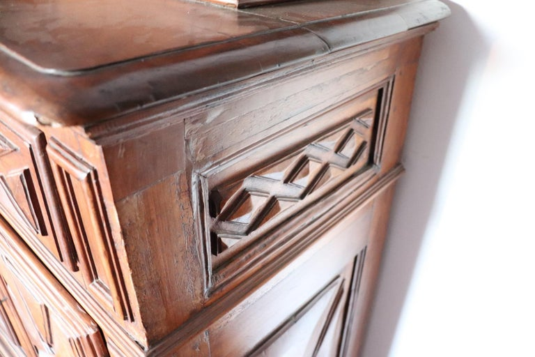 17th Century Italian Walnut Wood Large Rustic Sideboard, Buffet or Credenza For Sale 4