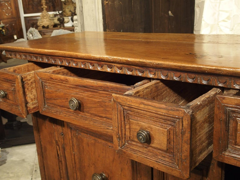 """17th Century Italian Walnut Wood """"Madia"""" Cabinet with Carved Bracket Base For Sale 4"""