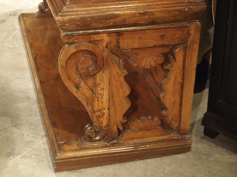 """17th Century Italian Walnut Wood """"Madia"""" Cabinet with Carved Bracket Base For Sale 6"""