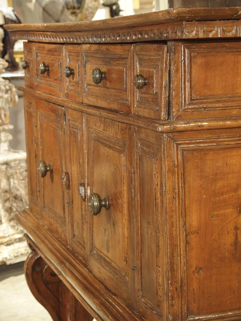 """17th Century Italian Walnut Wood """"Madia"""" Cabinet with Carved Bracket Base For Sale 7"""