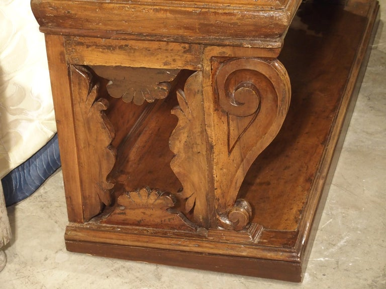 """17th Century Italian Walnut Wood """"Madia"""" Cabinet with Carved Bracket Base For Sale 9"""