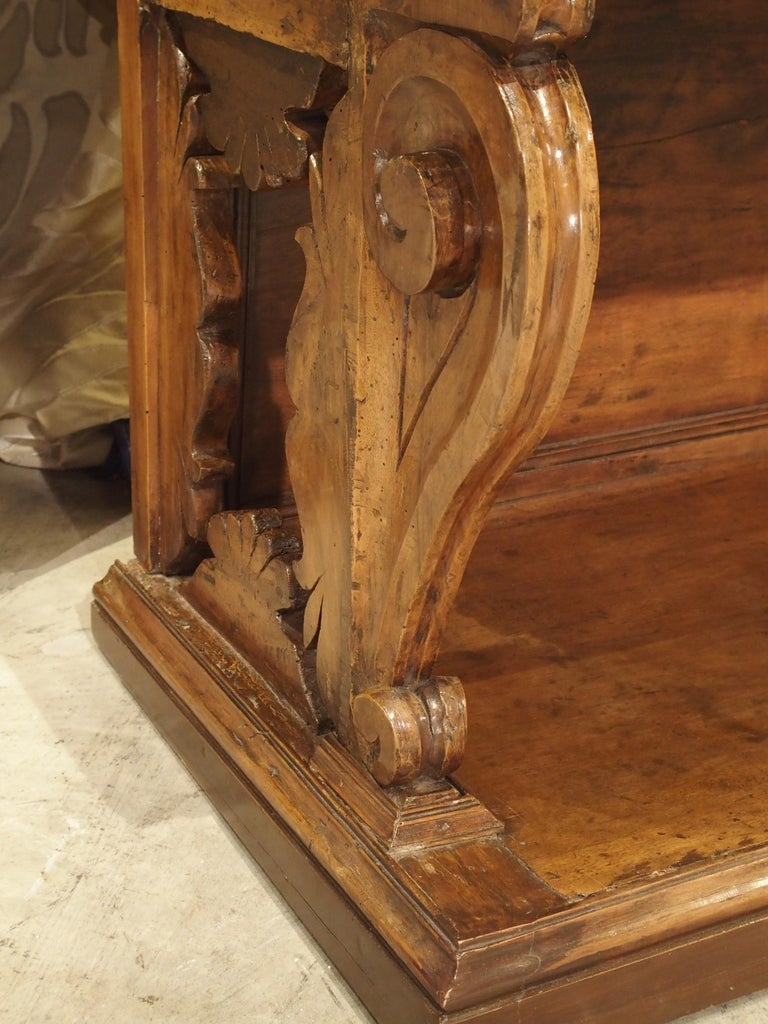 """17th Century Italian Walnut Wood """"Madia"""" Cabinet with Carved Bracket Base For Sale 11"""