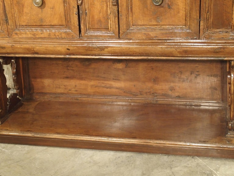 """17th Century Italian Walnut Wood """"Madia"""" Cabinet with Carved Bracket Base For Sale 1"""