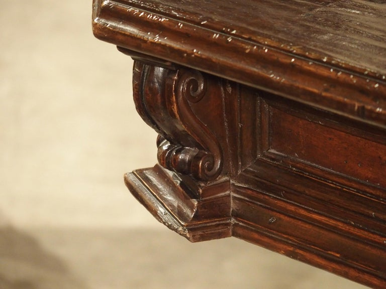 17th Century Italian Walnut Wood Octagonal Center Table with Large Paw Supports For Sale 5