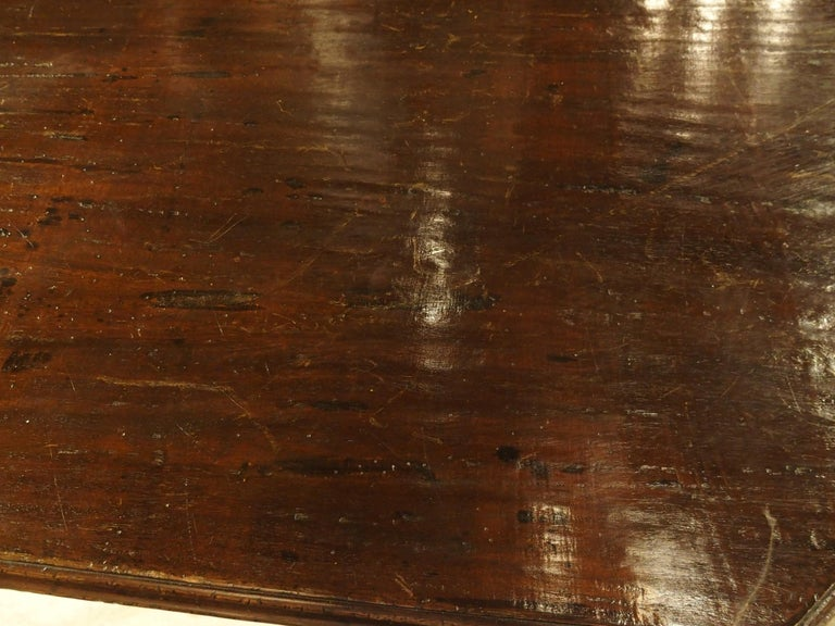 17th Century Italian Walnut Wood Octagonal Center Table with Large Paw Supports For Sale 6