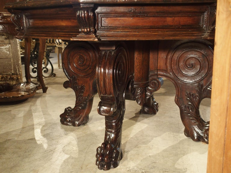 17th Century Italian Walnut Wood Octagonal Center Table with Large Paw Supports For Sale 7