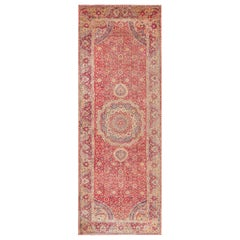 17th Century Mughal Gallery Carpet. Size: 9 ft x 24 ft 8 in (2.74 m x 7.52 m)