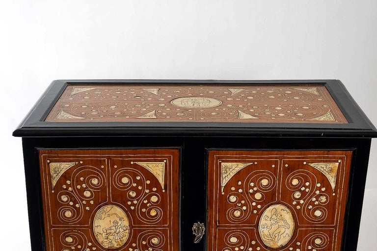 17th Century North-Italian Collectors Cabinet, circa 1650-1690 In Good Condition For Sale In Saint Ouen, FR