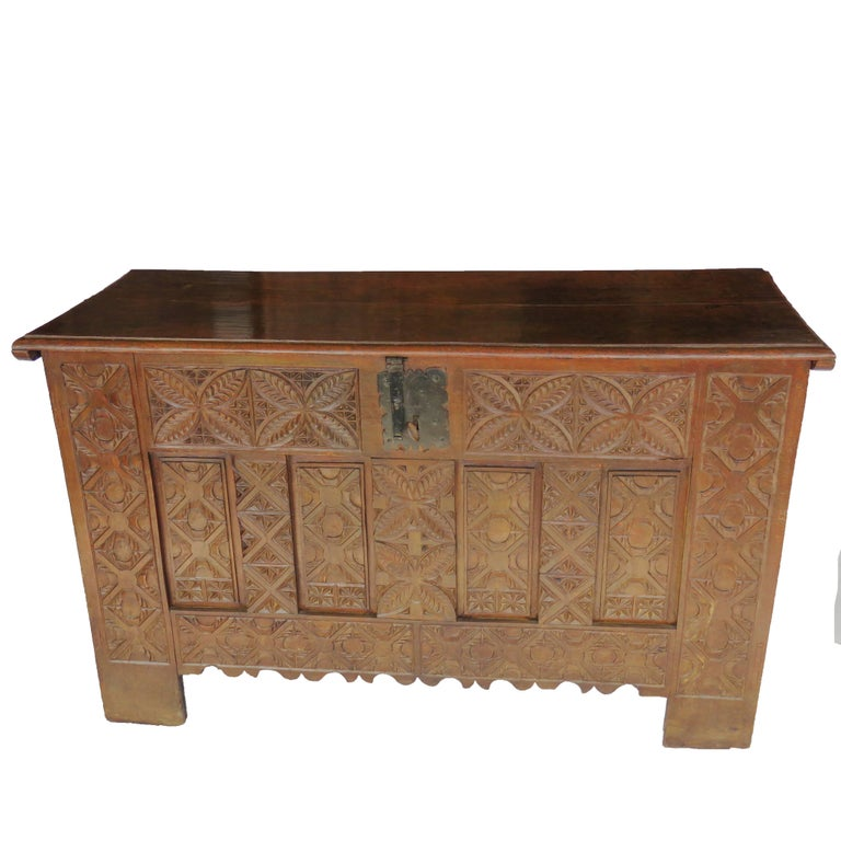 17th Century Oak Dowry Chest, Coffer, Trunk