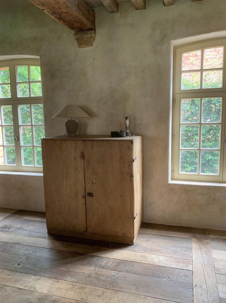 17th Century Pyrinee Cupboard For Sale 5