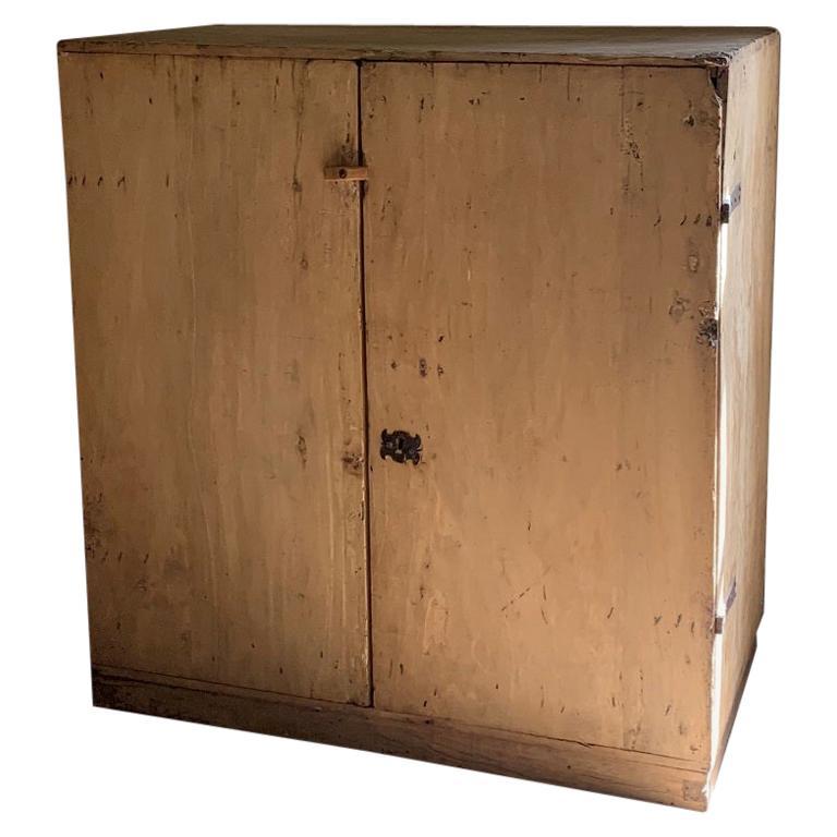 17th Century Pyrinee Cupboard For Sale