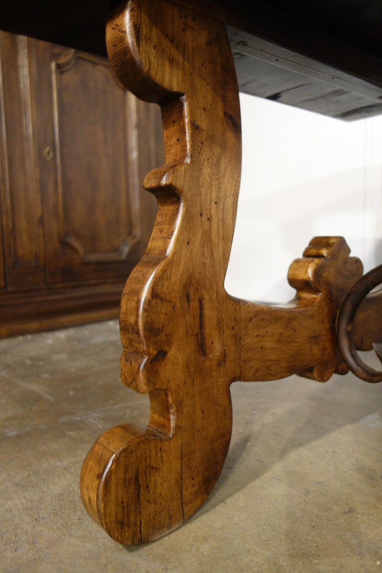 17th Century Refectory Style Old Italian Solid Walnut 50x30 Coffee Table, custom For Sale 3