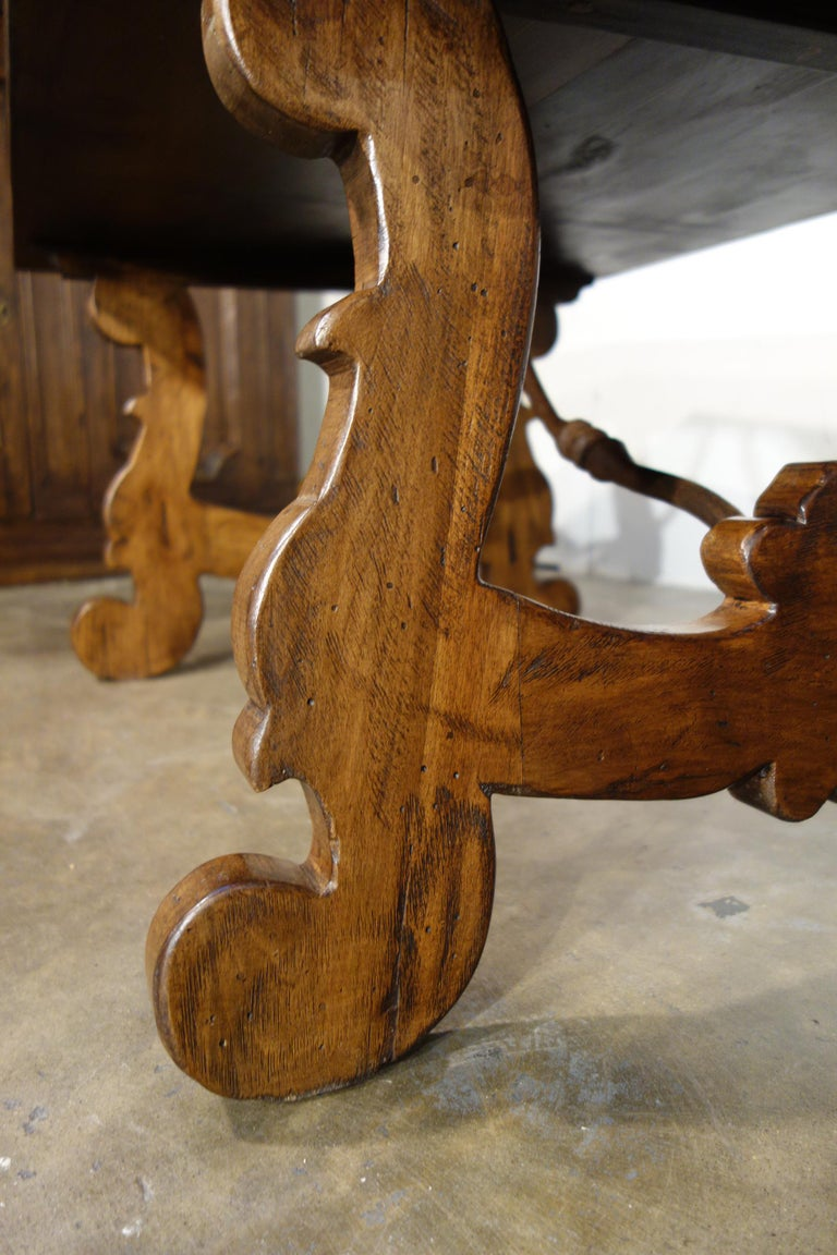 17th Century Refectory Style Old Italian Solid Walnut 50x30 Coffee Table, custom For Sale 4