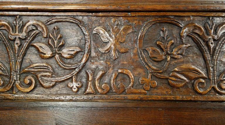 17th Century Renaissance Style Italian Chestnut Leggio Music Desk Lectern Table For Sale 4