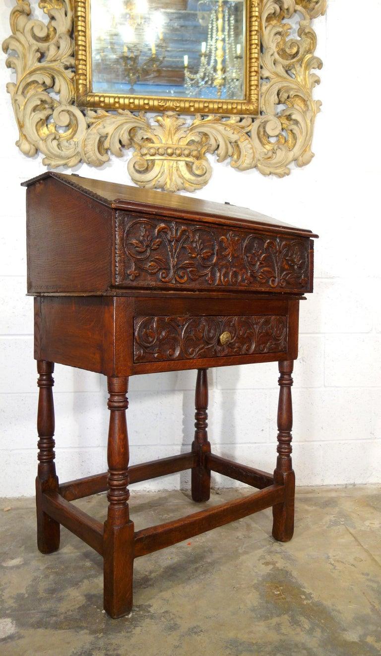 17th Century Renaissance Style Italian Chestnut Leggio Music Desk Lectern Table For Sale 11