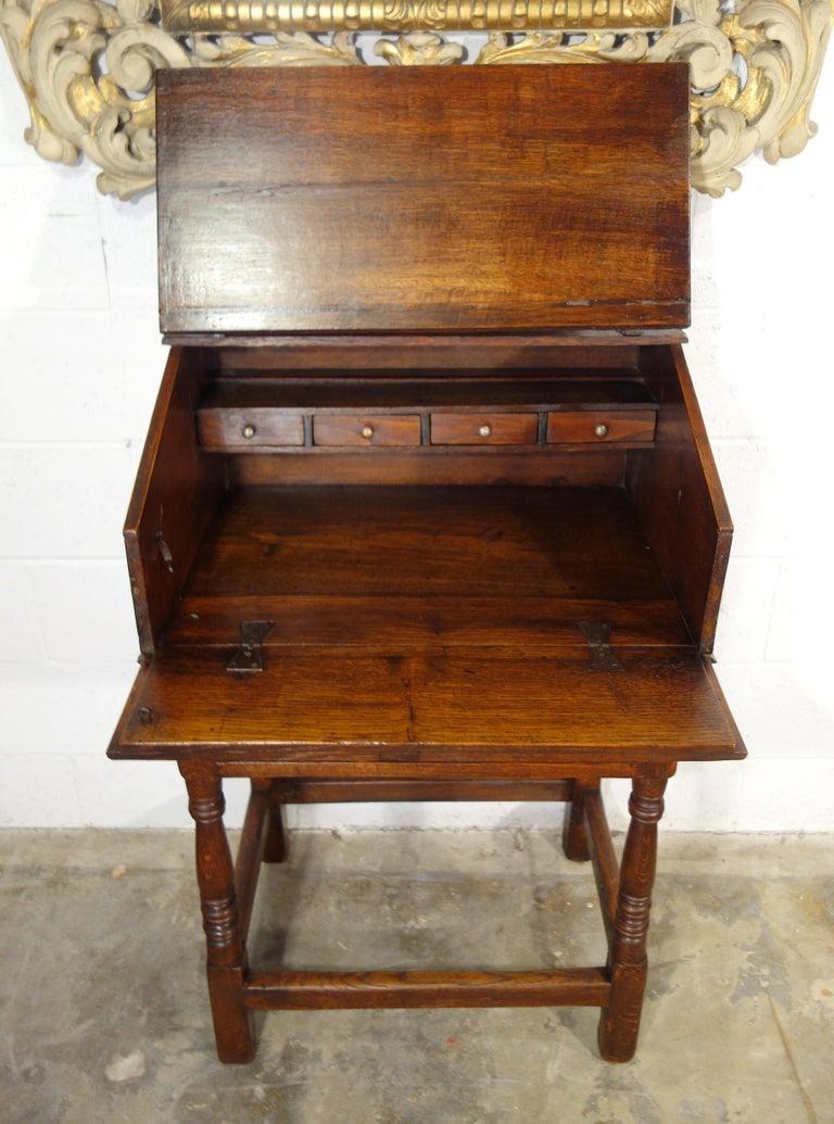17th Century Renaissance Style Italian Chestnut Leggio Music Desk Lectern Table In Good Condition For Sale In Encinitas, CA