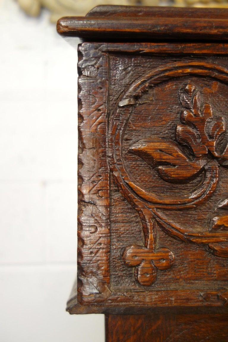 17th Century Renaissance Style Italian Chestnut Leggio Music Desk Lectern Table For Sale 2