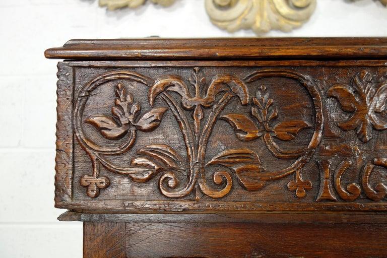 17th Century Renaissance Style Italian Chestnut Leggio Music Desk Lectern Table For Sale 3