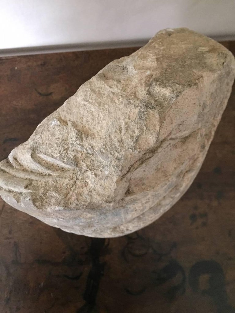 17th Century Sculpture Shoulder Fragment in Roman Classical Style For Sale 1