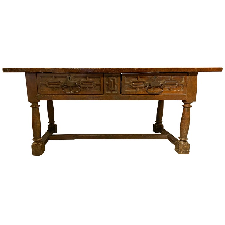 17th Century Spanish Baroque Walnut Table For Sale